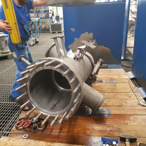 Hydro test performance for natural gas filter. The test was done with non corrosive medium.